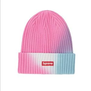 🔥RARE🔥 Nwt Supreme over dyed beanie
